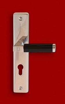 HAUS AM HORN 280 E Bauhaus Sicherheitsgarnitur mit Langschildern und rechtwinklig gekröpftem Griff mit Ebenholzhandhabe