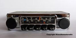 Blaupunkt Frankfurt mit Chromblende als Universalgerät für Alfa Romeo Fahrzeuge der 70 er Jahre.