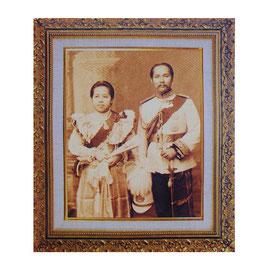 タイ 王室 ステッカー チュラーロンコーン国王(ラーマ5世) ご夫妻 肖像 Mサイズ セピア typeB - タイ雑貨 アジアン 雑貨 スーツケース トランク 旅行 グッズ -