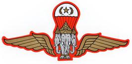 【ミリタリー / 軍隊 グッズ 】 タイ 王国 軍旗 エンブレム (紋章) ステッカー Mサイズ (スタンダード タイプ)1枚【タイ雑貨 Thailand Sticker】