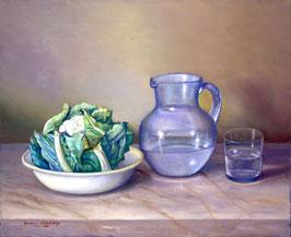 Bodegón con coliflor y agua