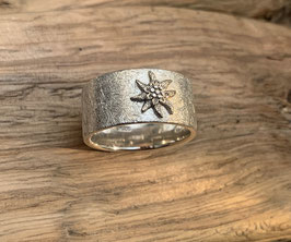 Ring mit diversen Motiven