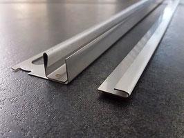 Fliesen-U-Winkelprofil mit 2-tlg. Gefällekeil für feststehende Glasabtrennung; Edelstahl gebürstet; Art.Nr.: PP-GPS7