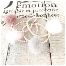 Püschelarmbänder mit Perlen