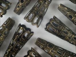 100 längliche Biegeringe in antik Bronze 5 x 4 mm