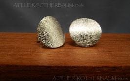 Ohrstecker K104 Fair Trade Silber aus Bolivien gekritzelt