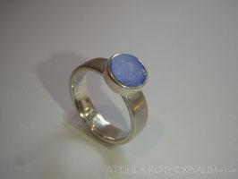 Ring K40 flacher runder Lapislazuli in aufgesetzter Kastenfassung Fair Trade Silber (925) aus Bolivien Gr. 53,5