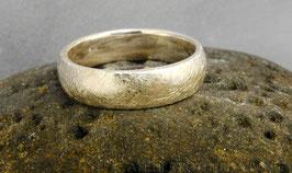 Ring K6 Ring mit 1/4-rund Profil gekritzelt Fair Trade Silber (925) aus Bolivien
