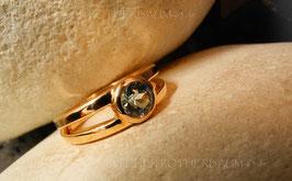 Ring K114 mit Finnland-Waschgold (585 rosé) mit facettiertem Oregon Sunstone Apricot