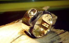 Ring K1 zackig ausgesparte Ringschine gekritzelte untere Oberfläche Fair Trade Silber (925) aus Bolivien