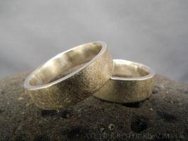 Trauring K13 Bandring Oberfläche gekritzelt Fair Trade Silber (925) aus Bolivien