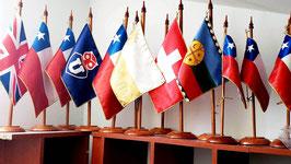 Banderas tradicionales de escritorio y grandes formatos