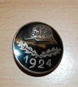 Artikelnummer: 00952  Stahlhelm Eintrittsabzeichen 1924