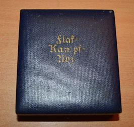 Artikelnummer: 02500 Frühes Verleihungs  Etui  Flak Kampf Abzeichen