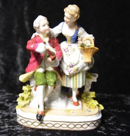 Artikelnummer : 01273  Liebes Paar aus Porzellan von Porzellanfabrik E. & A. Müller