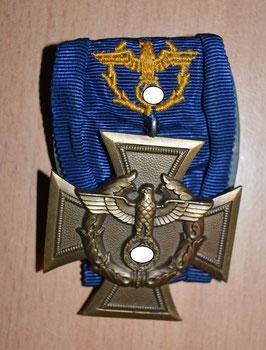 Artikelnummer: 01329 Zollgrenzschutz-Ehrenzeichen an Einzelspange