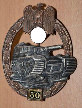 """Artikelnummer: 01702 Panzerkampfabzeichen in Bronze mit Einsatzzahl """"50"""""""