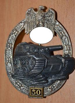"""Artikelnummer: 01701 Panzerkampfabzeichen in Silber mit Einsatzzahl """"50"""""""