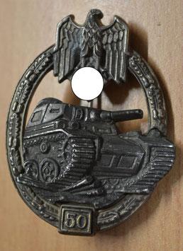 """Artikelnummer: 01537 Panzerkampfabzeichen in Silber mit Einsatzzahl """"50"""""""