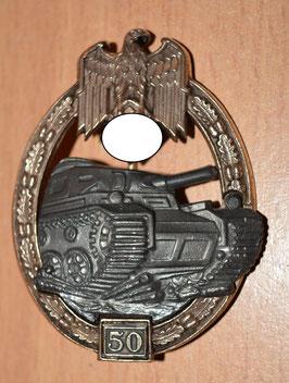 Artikelnummer : 02290 Panzerkampfabzeichen mit 25