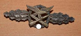 Artikelnummer: 02494  Nahkampfspange der Luftwaffe Silber