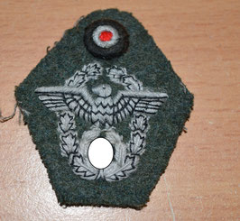 Artikelnummer: 01670  Mützenabzeichen für die Feldmütze Polizei