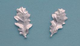 Small Oak Leaf  Stud Earring - L 8 B ER