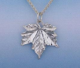 Maple Leaf Pendant Crinkle Texture L 5 P