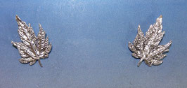 Medium Maple Stud Earrings - L 5 M ER