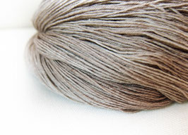 welthase bfl XL 150g fingering golden siam