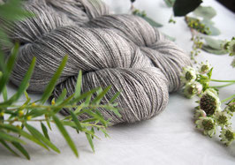 welthase yak lace golden grey