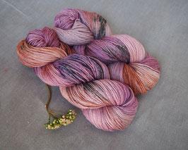 welthase bfl pashmina dried tea rose, speckled