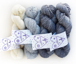 KIT SIAM LOVE colourway perfect grey