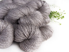 welthase single yak 120g golden grey