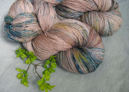 welthase BFL lace pines at the sea * unique dots