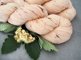 welthase bfl XL 150g fingering Happy Champagne dots * DYED TO ORDER