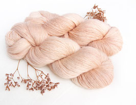 welthase single lace pale nude