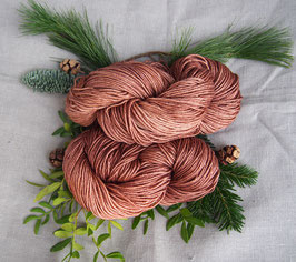 welthase glamour DK glowing cinnamon