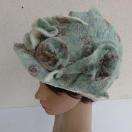 FO09 Chapeau cloche en laine vert