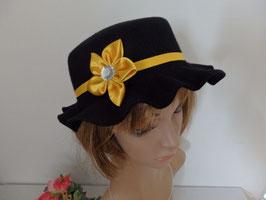 chapeau en feutre noir fleur kanzashi jaune