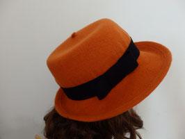 FB02 Chapeau en laine orange