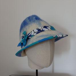 FO40 Trilby en feutre décor en tissu tahitien