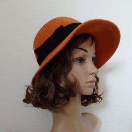 FB02 Chapeau en laine orange