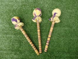 Mailloches en laine violette et jaune