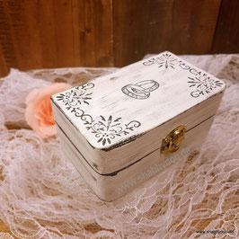 Ringkästchen Romantik mit Moos für die Hochzeit vintage