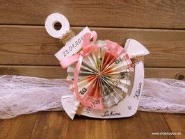 Geldgeschenk großer Anker in weiß mit rosa Schleife und Perlen