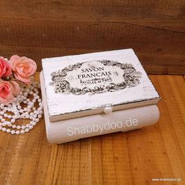 Schmuckkästchen shabby vintage mit french Label in weiß. Kleine Box aus Holz