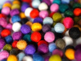 100 Filzkugeln 1 cm, 100% Wolle eine bunte Mischung