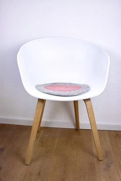 Sitzkissen Spiegelei Handgefilzt grau /lachs