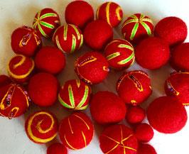 30 Filzkugeln Mix rot